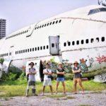 """バンコクの街中に捨てられた飛行機""""飛行機の墓場""""へ。"""