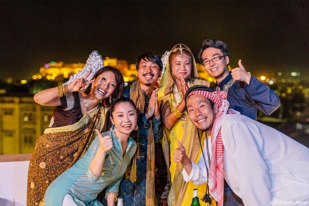 インドの砂漠で結婚式